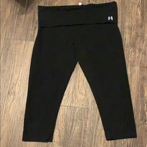 Victoria Secret Yoga Capri Leggings